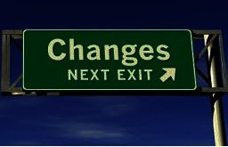 O cambias o te cambian