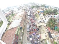 Jornada de desfiles escolares en la ciudad
