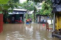 Familias del barrio Tikal viven drama por inundaciones