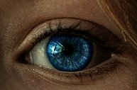 Ojos de cíborg: aprueban en Francia los ensayos clínicos de ojos biónicos