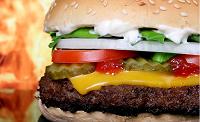 Biólogos hallan un sistema para comer hamburguesas y pizzas sin engordar