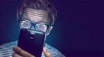 ¿Cómo nos afecta la luz azul de teléfono?